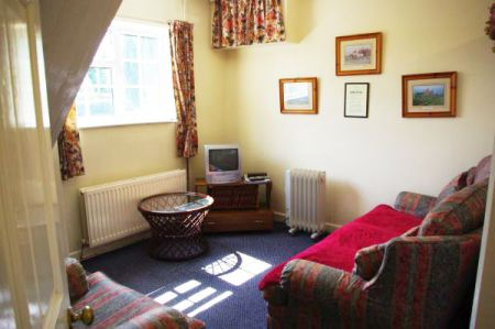 The Byre, Lounge, Tythe Barn House, Bed and Breakfast near Alton Towers