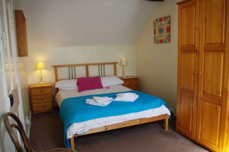 Granary bedroom 2, Tythe Barn House, Bed and Breakfast near Alton Towers